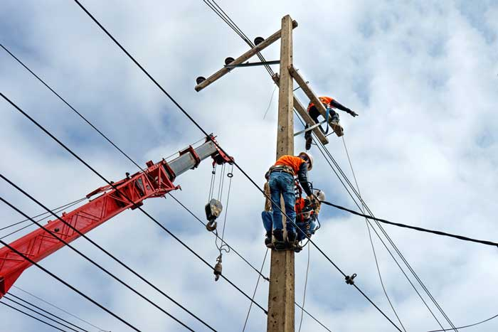 Border States Electric Donates in Honor of Journeymen Linemen